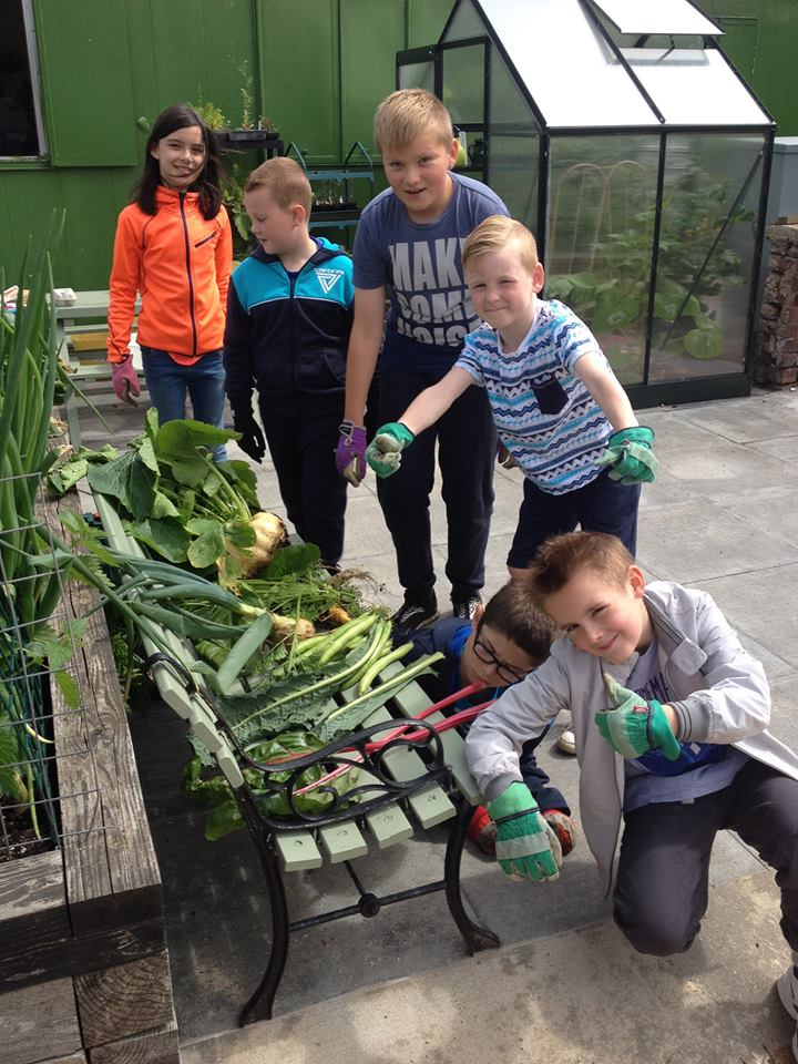 Smelly Welly Club kids with their crops from last year