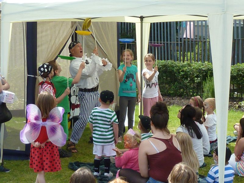 Pete the Pirate entertains the children
